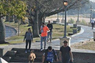 Tras cinco días con más de 100 casos, la provincia reporta 85 nuevos contagios, uno de la ciudad -  -