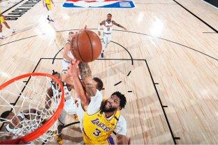 Luego de tres derrotas consecutivas, los Lakers volvieron a ganar