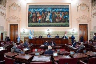 El Senado hizo un minuto de silencio por las víctimas de inseguridad y Traferri criticó en duros términos a Sain