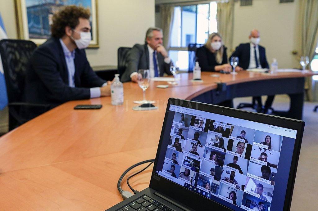 Alberto Fernández mantuvo un encuentro virtual con 90 representantes del área joven de la UIA. Crédito: NA