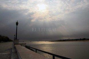 """El Río Paraná sigue """"bajito"""": 64 cm en la ciudad de Santa Fe"""