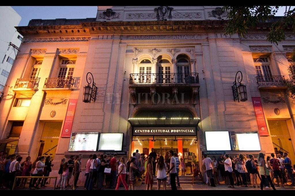 """Un faro para la actividad artística de la región que celebra 40 años - El Centro Cultural Provincial Francisco """"Paco"""" Urondo, dependiente del Ministerio de Cultura de la provincia celebra un nuevo aniversario."""