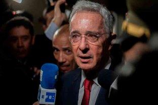 Álvaro Uribe seguirá en arresto domiciliario