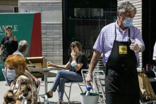 Buscan prohibir fumar en la calle en toda España
