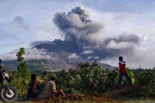 Alerta en Indonesia tras una nueva erupción del volcán Sinabung