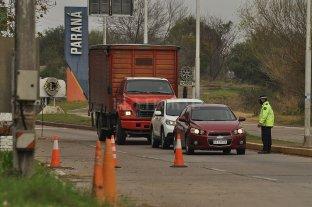 """Por no contar con el hisopado negativo ya fueron """"rebotados"""" 257 vehículos de Paraná - Los controles para ingresar al territorio provincial son rigurosos. -"""