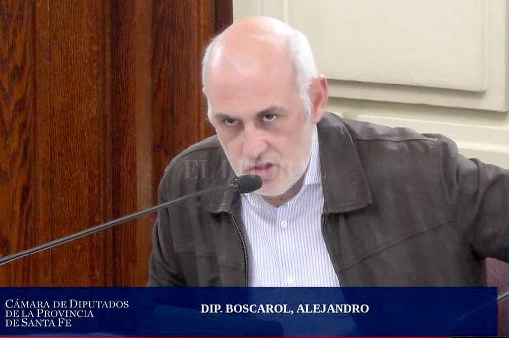 Alejandro Boscarol en el discurso sobre emergencia educativa Crédito: Captura digital
