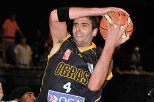 Insólito: quiere comprar la camiseta que él mismo usó para jugar al básquet