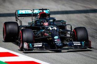 Los pilotos de Mercedes lideraron el segundo entrenamiento en Barcelona