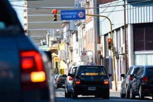 """Ya colocan carteles de """"bienvenida"""" a la """"Ciudad 30"""": habrá límites de velocidad -  -"""