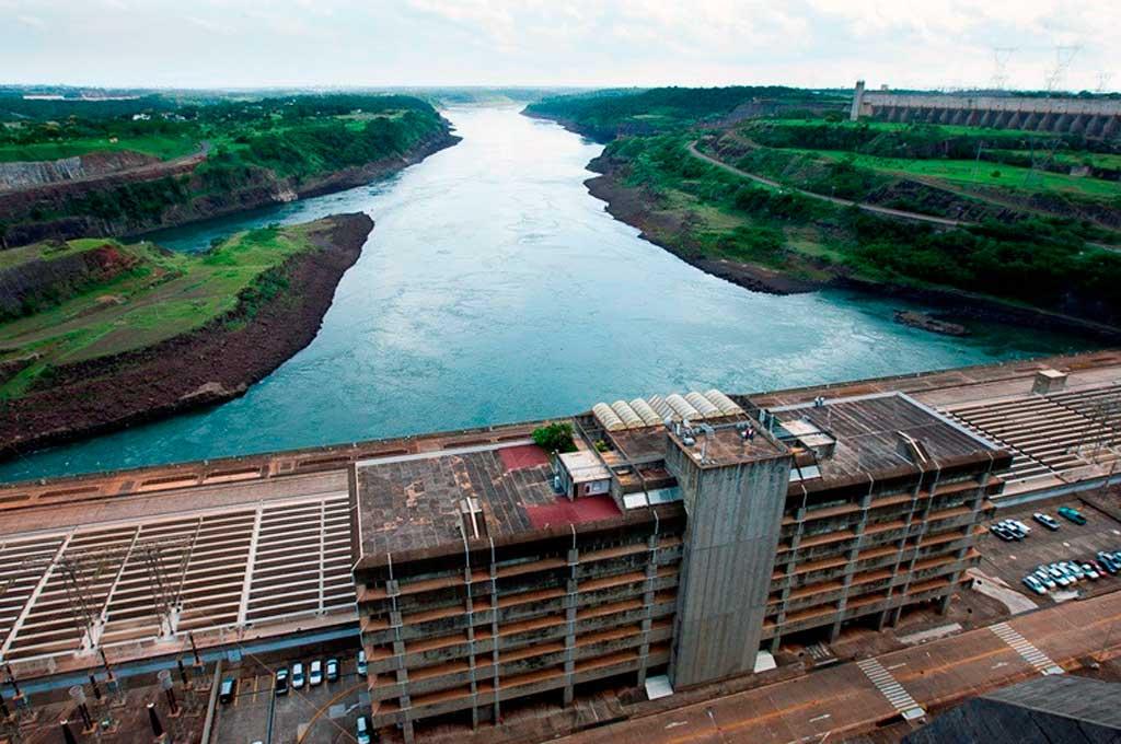 La represa de Itaipú, ubicada entre la frontera de Brasil y Paraguay. Crédito: Gentileza