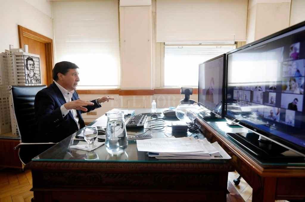 El ministro Daniel Arroyo presidió el encuentro que se concretó de modo virtual.   Crédito: Gentileza