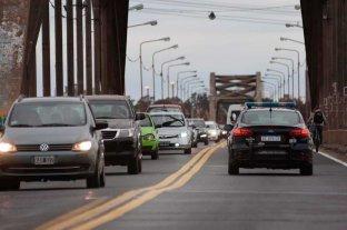Arreglan la baranda del Puente Carretero dañada en un siniestro vial