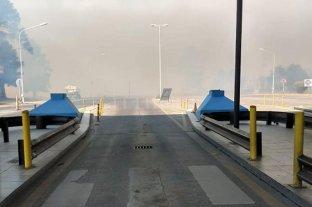 Otra vez el humo de las quemas de pastizales dificulta la circulación en la zona del túnel subfluvial