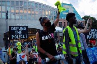 Protestas y toque de queda en Wisconsin por la agresión policial contra un hombre negro