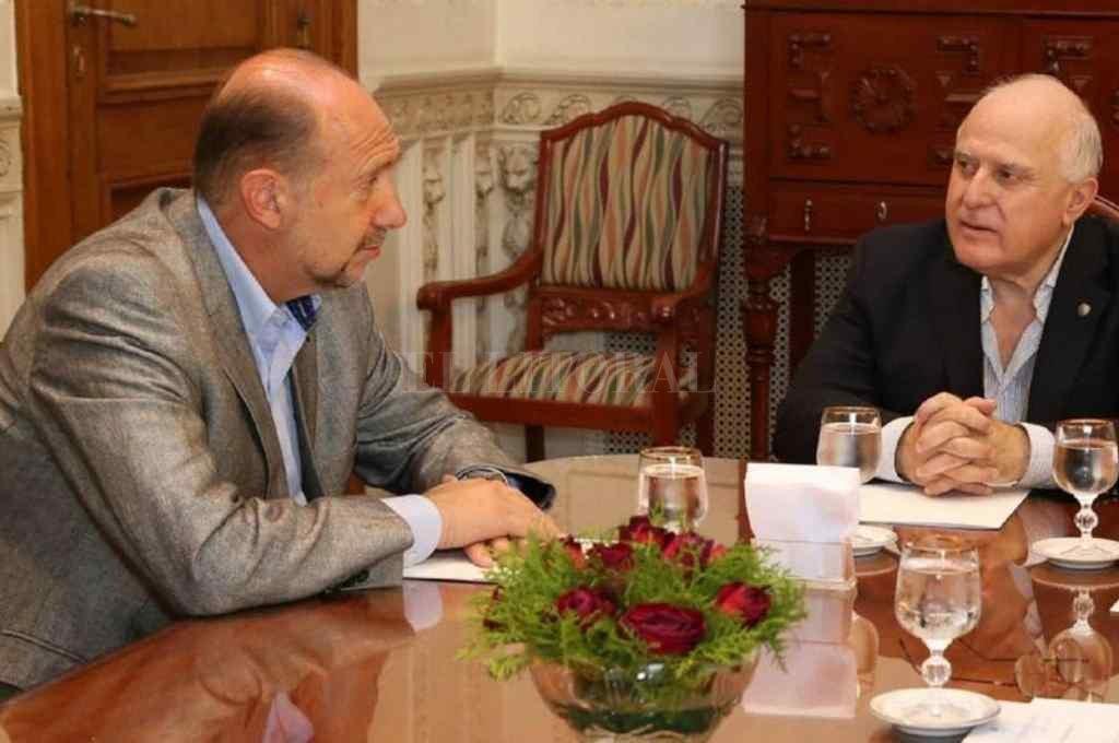 Perotti y Lifschitz mantuvieron pocos encuentros oficiales durante la transición. Ambos son actores del posible endeudamiento a muy baja tasa.   Crédito: El Litoral