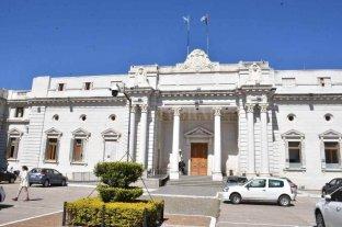 Bajo la lupa legislativa, dos fiscales esperan dictamen