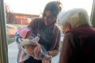 Humanizaron protocolos para que una abuela conozca a su bisnieta