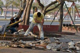 Obras de mantenimiento sobre el  cantero central de la Costanera