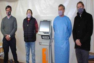 Cornaglia entregó un respirador artificial al hospital de Las Rosas