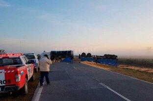 Volcó un camión en la Ruta 10, cerca de San Mariano