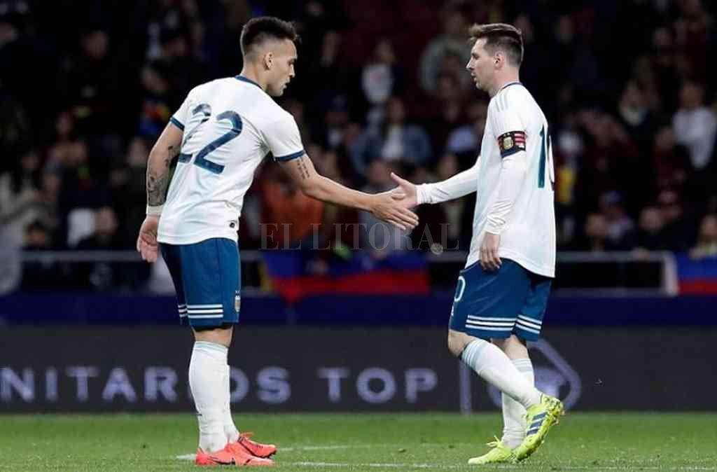 Lautaro Martínez, el emblema de la renovación, y Lionel Messi, el gran capitán, son hoy el presente de la selección. Crédito: Archivo