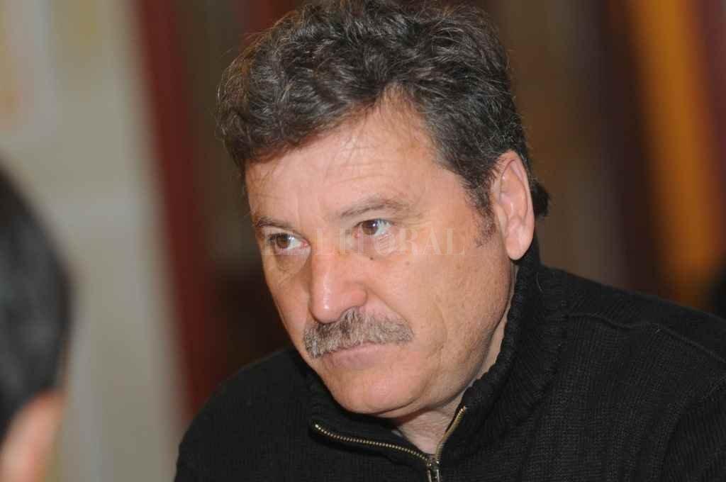 Roberto Passucci, un hombre que afuera de la cancha habla con la misma frontalidad que tenía adentro.