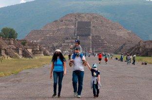 México advierte de hasta 10 años de cárcel a extranjeros por contagios de Covid-19