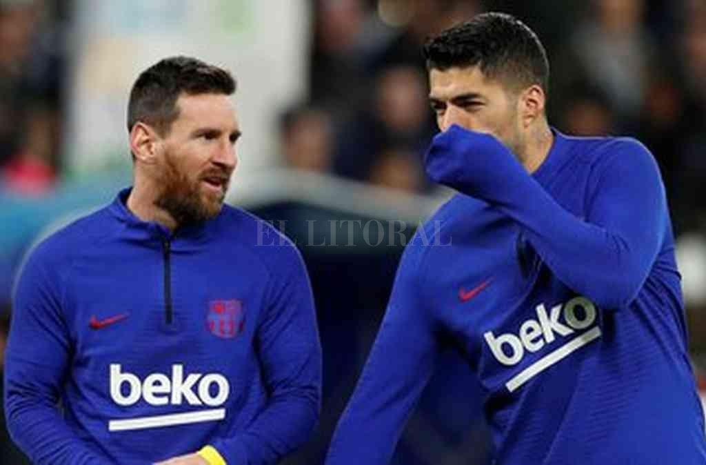 Separados. Los amigos Messi y Suárez ya no compartirán equipo y así lo dejó en claro Koeman con la lista de convocados. Crédito: Archivo