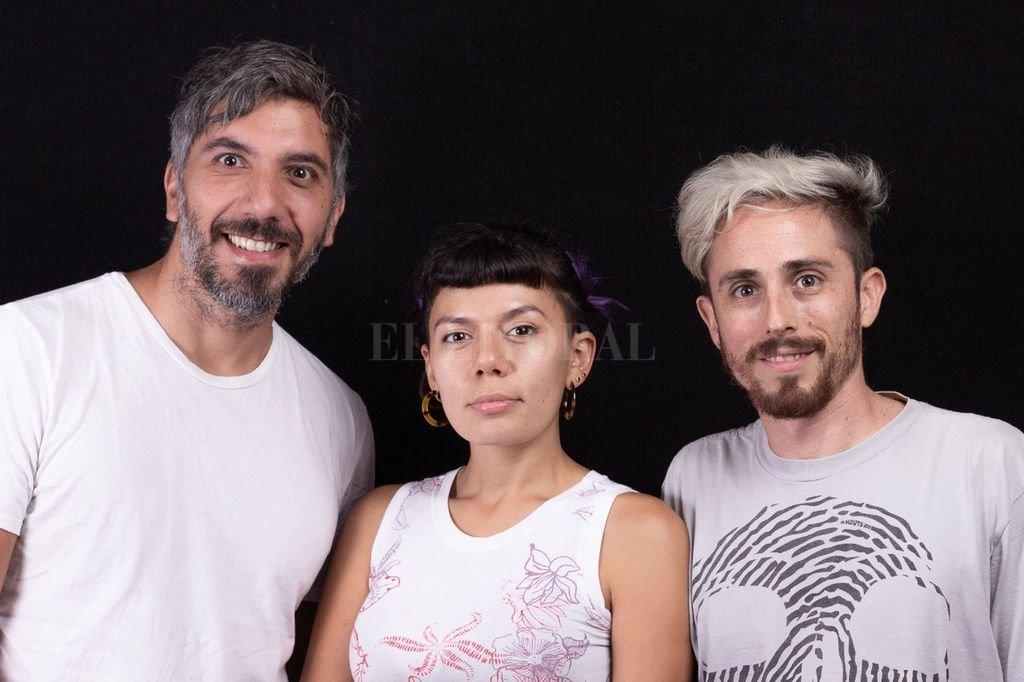 Guillermo Giura, Florencia Olmos y Juan Curto, gestores del espacio cultural. Crédito: Gentileza Delta Espacio