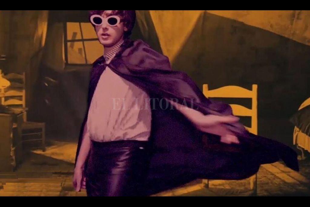 El videoclip, dirigido por Lisa Cerati, tiene una estética suspenso de la era del cine mudo y películas más alternativas góticas de vampiros y música. Crédito: Gentileza producción