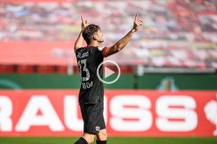 Gol de Alario en la aplastante victoria de Bayer Leverkusen en la Copa alemana