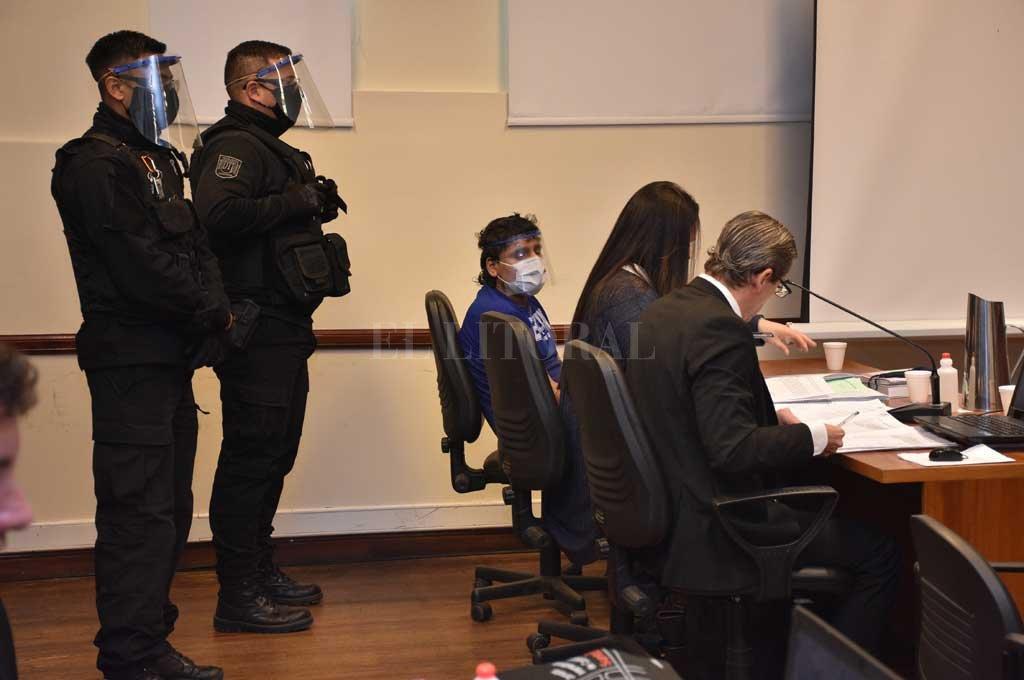 Bajo estrictas medidas de control de seguridad, Cano fue trasladado a los tribunales locales para enfrentar el juicio. Crédito: Flavio Raina