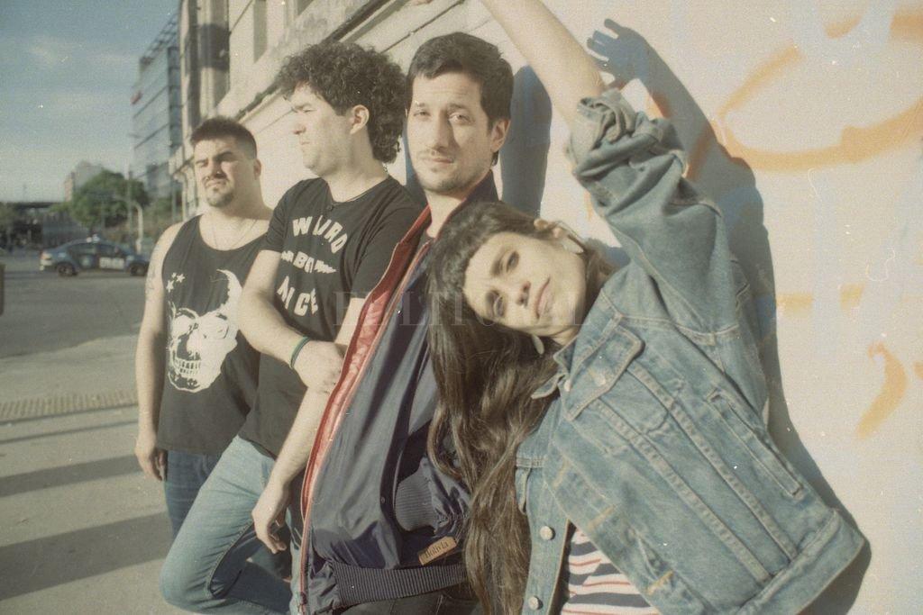 Hernán Mora, Maximiliano Román, Danilo Miocevic y Agustina Lloret, integrantes de Biomas Crédito: Gentileza producción