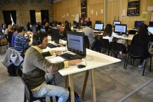 Articulan acciones con universidades para potenciar el servicio del 0800