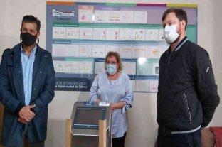 Diana entregó un respirador en la ciudad de Gálvez