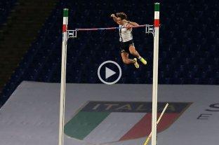 Armand Duplantis batió el récord mundial en salto con garrocha -  -