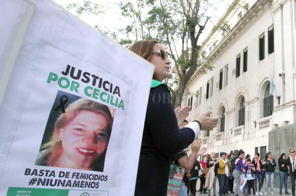 Reclamos de Justicia a un año del femicidio de la enfermera Cecilia Burgadt. Crédito: Pablo Aguirre