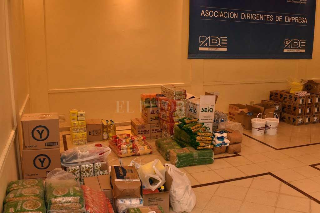 Las donaciones fueron llegando y se almacenaron en la sede de la Asociación Dirigentes de Empresa. Crédito: Flavio Raina