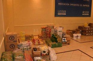 El Fondo Solidario asistió a más de 2300 personas - Las donaciones fueron llegando y se almacenaron en la sede de la Asociación Dirigentes de Empresa. -