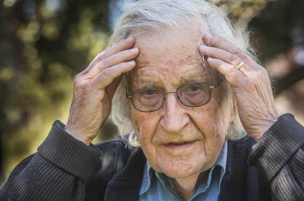 Noam Chomsky. Lingüista, filósofo, politólogo y activista estadounidense. Fue uno de los disertantes de la cumbre del progresismo mundial.      Crédito: Internet