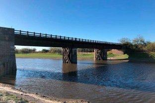 Esperanza: el Concejo Municipal votó por la puesta en valor del Puente Mihura - El puente fue construido en la década de 1860 y sufrió varias inundaciones, hasta que quedó inutilizado. Así luce hoy. -