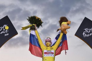 Un ciclista esloveno ganó por primera vez en la historia el Tour de France