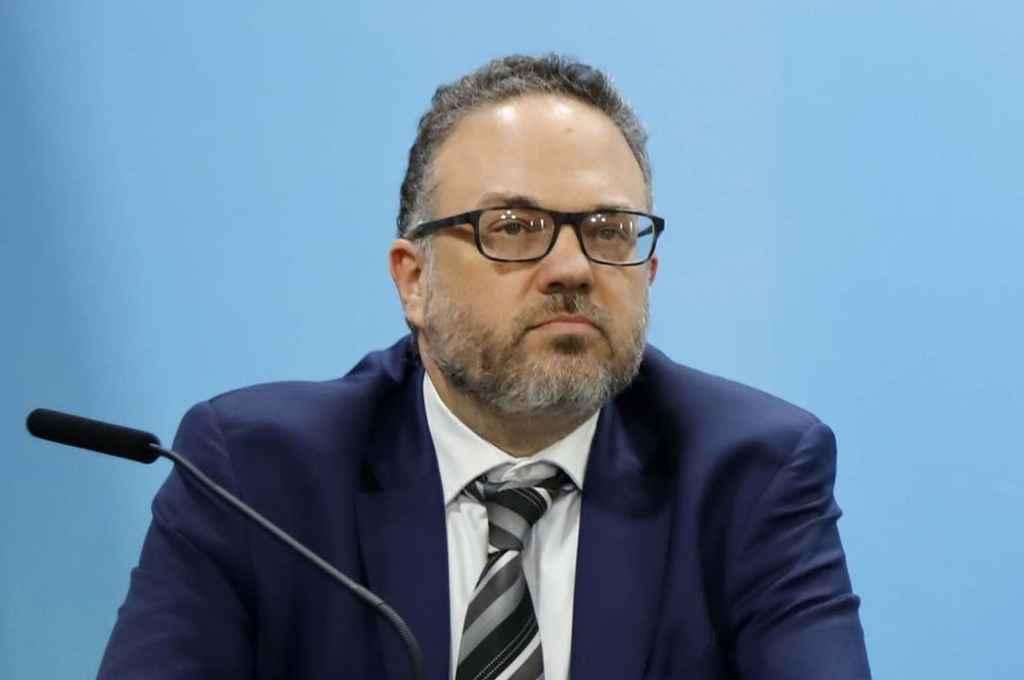 El ministro planteó