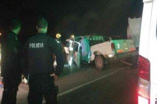 Un hombre murió tras impactar su camioneta contra un camión cisterna en la autopista Rosario-Córdoba