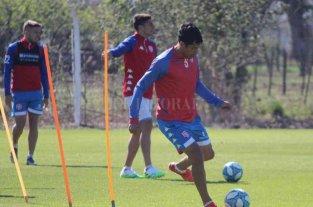"""El Vasco ya arrancó con las pruebas - Fernando Márquez, una cara conocida pero """"nueva"""" en este proceso. Es el retorno de alguien que soñaba con progresar y que ahora vuelve a los 32 años, todavía en plena vigencia. -"""