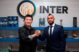 Arturo Vidal fue presentado en el Inter