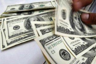 """Dólar hoy: El oficial abre estable y el """"blue"""" sube a $ 147 -  -"""