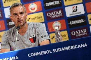 """Lavallén, irónico, comparó a Colón """"con una canchita de fútbol cinco"""" -"""