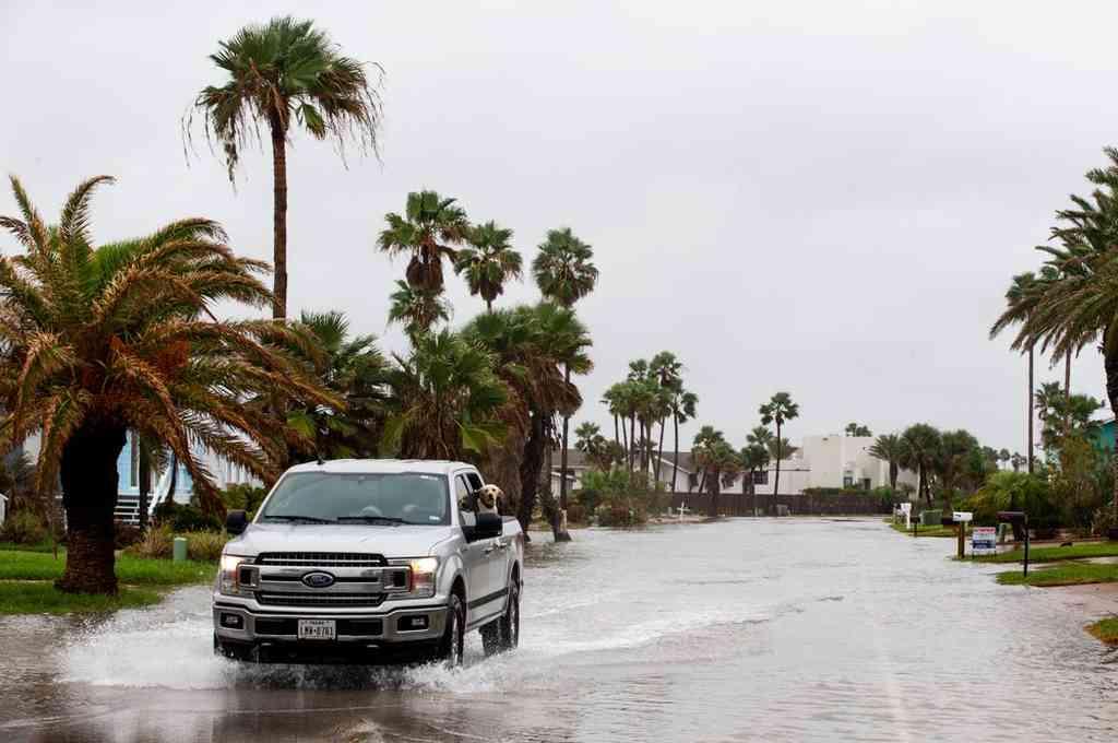 La tormenta tropical Beta causó inundaciones este lunes en las ciudades de Texas. Crédito: Twitter
